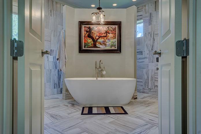 Jak gustownie udekorować łazienkę?