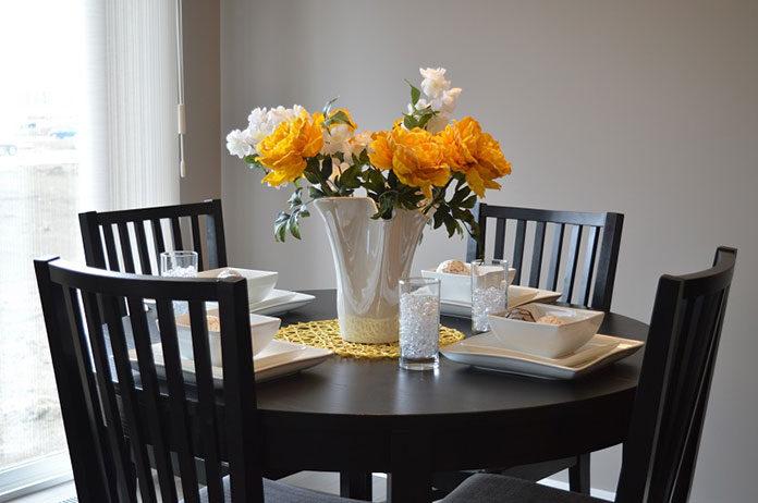 Jak zadbać o dekorację na stole?